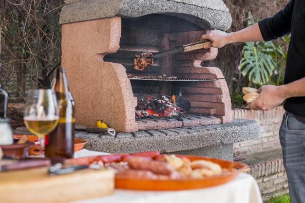 Raznolikost uporabe zunanje letne kuhinje
