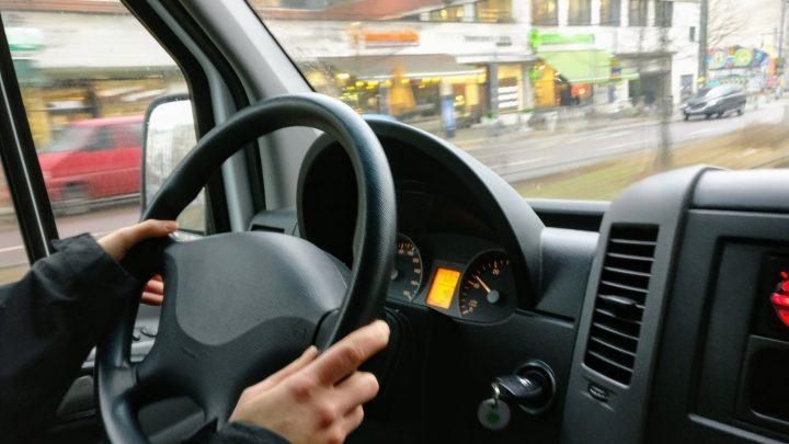 Avtošola, institucija v kateri se poučujejo cestno prometni predpisi