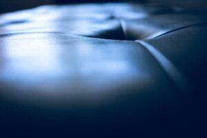 Lastnosti materiala imajo ključno vlogo pri tem, kakšen učinek lahko pričakujemo od sedežne garniture