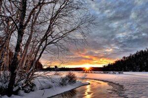 Tudi v zimskih dneh lahko toplotne črpalke zrak voda pridobijo dovolj energije za ogrevanje
